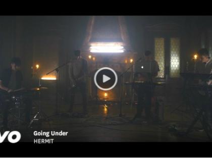 """HERMIT : """"Going Under"""" un EP tra atmosfere notturne, ritmo deciso e un cantato ozioso"""