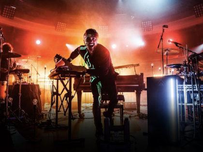 DARDUST: In attesa della partenza del tour finale, da venerdì 27 ottobre in radio e in tutti i digital store BIRTH feat. WRONGONYOU