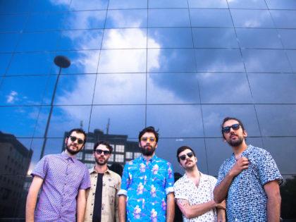 """""""Tutto Bene"""" è il nuovo singolo degli Ex-Otago,disponibile su tutti gli store digitali dal 18 maggio 2018prodotto da Garrincha Dischi ed INRI e distribuito in licenza da Universal Music Italia."""
